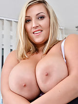 Busty Housewives, Crystal Swift