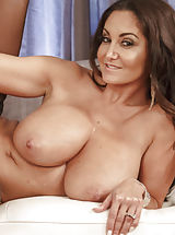 Perfect Tits, Ava Addams