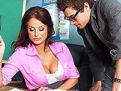 Brazzers Gratis Getting Head in Sex Ed