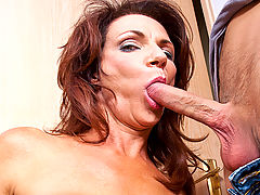 Deauxma & Danny Wylde in Fucking Hot Moms