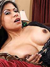 Bouncing Boobs, Gabby Quinteros gets what she wants from her employee
