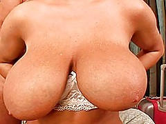 Huge.Tits Vids: Big boobed Jannete getting tit fucked and jizzed