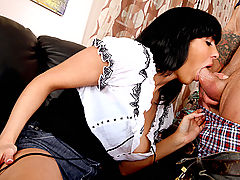 Busty Babes, Veronica Rayne & Alan Stafford in Fucking Hot Moms