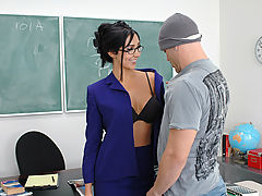 Bouncing Boobs, Diana Prince & Derrick Pierce as Sexy Teacher