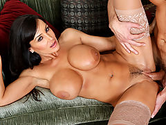 Hairy Vids: Lisa Ann & Ryan Driller in Fucking Hot Moms
