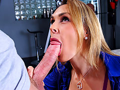 Tanya Tate & Xander Corvus in Fucking Hot Moms