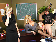 nice hooters, Darryl Hanah, Alana Evans & Kris Slater as Sexy Teacher