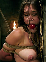 Fetish Pics: Jade Marxxx works hard for her orgasms in this predicament scene