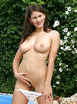 Babes Pics: Hairy Pussy Girls
