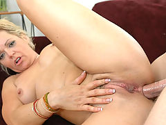Milf Vids: Kelly Leigh in Fucking Hot Moms