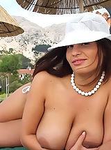 nice titts, Compare the sensetivity of naturist girls shot on photos 50 years ago and in 2011 - all hot naked women spreading