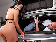 Busty Vintage, Brazzers Free Banging the Bag Boy
