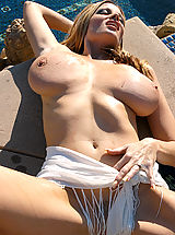 Busty Pictures, Pussy Palace